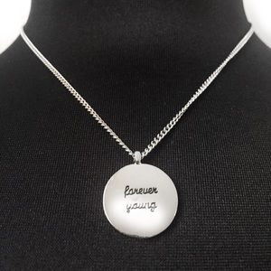 BCBGENERATION DAINTY NECKLACE PENDANT SILVER TONED